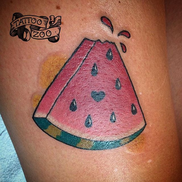 1000 ideas about watermelon tattoo on pinterest strawberry tattoo fruit tattoo and tattoos. Black Bedroom Furniture Sets. Home Design Ideas