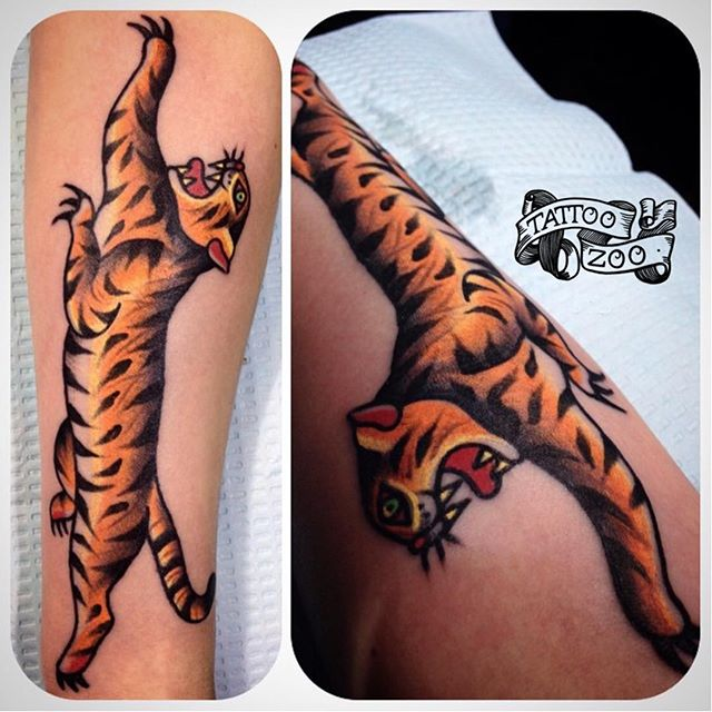 MEOW!!! We are open til 6pm. (tattoo by @bold_and_classy)
