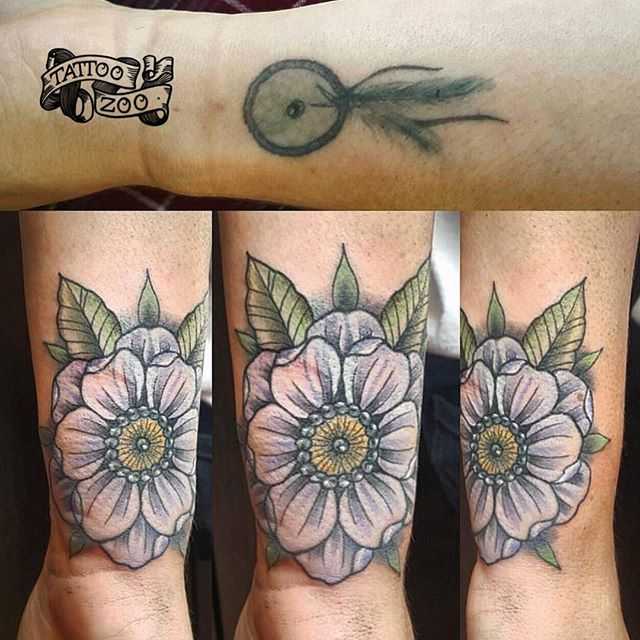 We LOVE doing cover ups! (coverup by @interstellarwhispers) Call 250-361-1952 to book or come see us at 826 Fort Street.
