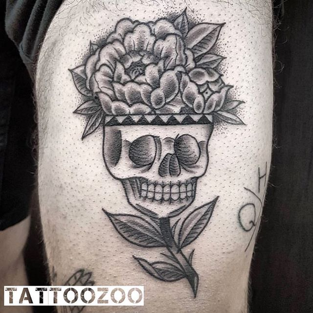 We open at NOON today! Come see us at 826 Fort St. Walk-ins welcome. (tattoo by @interstellarwhispers)