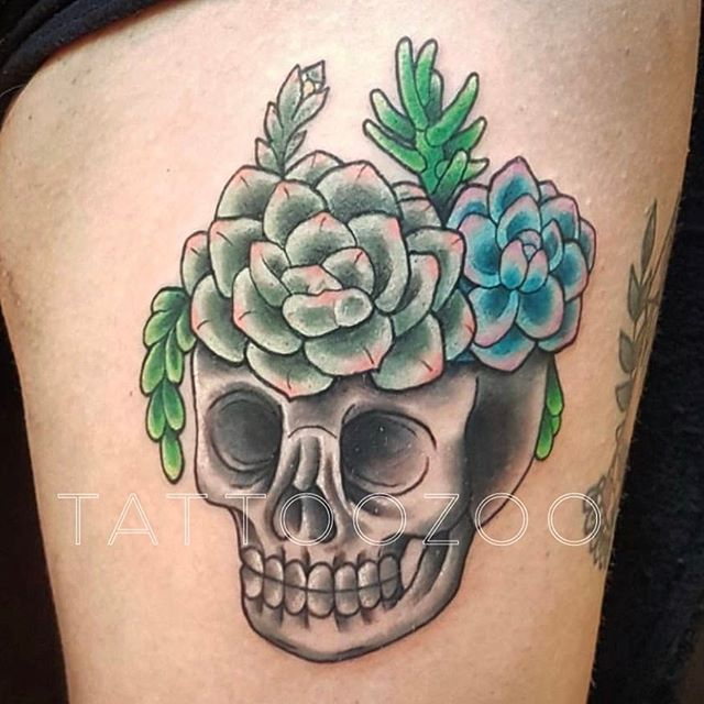 We are OPEN!! @interstellarwhispers has time for a walk-in this afternoon. Her design or yours!! Call 250-361-1952 to grab a spot.