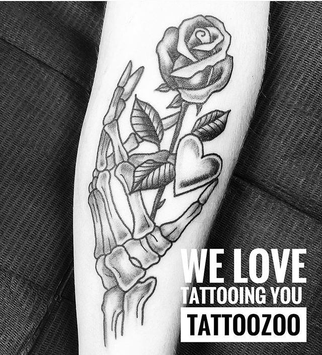 We Love Walk-ins!! There are 3 ways to find out if we have time for walk-ins. #1. Check our stories #2. Call us at 250-361-1952 #3. Come by 826 Fort Street and visit. (tattoo by @lunamillytattoo) 🖤 #weLOVEtattoingyou