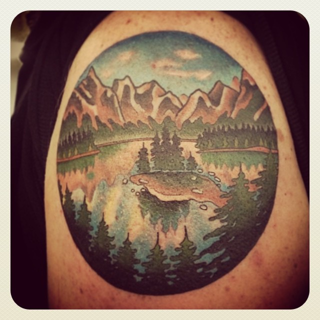 We are open 12-5 today!! (Tattoo by @prairietats)