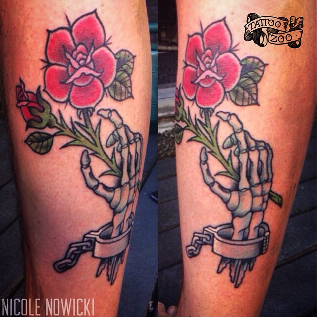 Will you take this rose??? (tattoo by @interstellarwhispers)