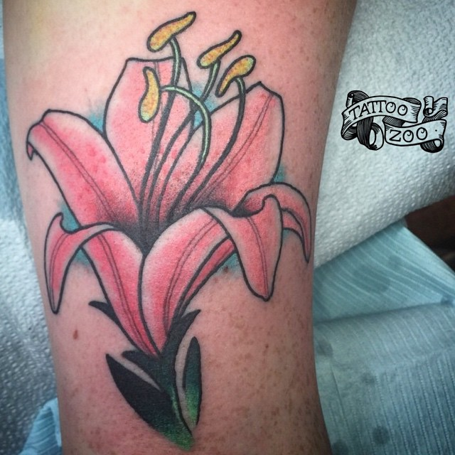We are open 12-5!!! We love walk-ins!! Come see us at 826 Fort Street. #welovetattooingyou (tattoo by @gerrykramer)