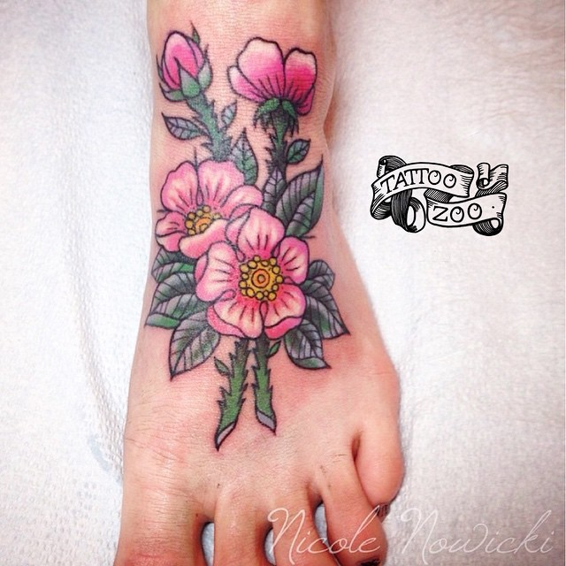 We are OPEN til 6pm. (tattoo by @interstellarwhispers). Call 250-361-1952 to book!
