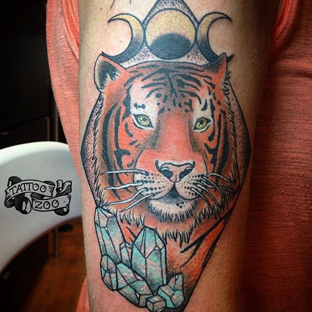 ROAR!!!! We are open 12-5pm. Come see us at 826 Fort Street. #welovetattooingyou (tattoo by @tamitattoos)