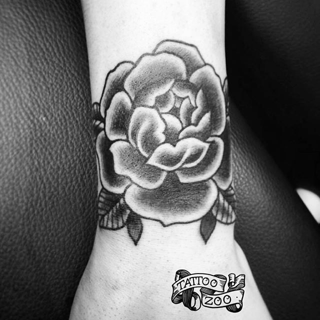 We are OPEN!! 12-5pm!!! (tattoo by @interstellarwhispers)
