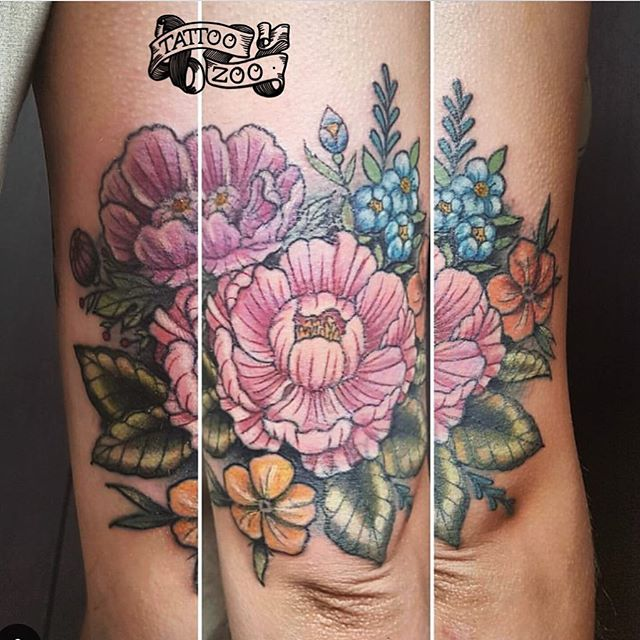 Beautiful coverup by @interstellarwhispers We LOVE the challenge of doing cover-ups - so if you have a tattoo you are no longer happy with - come down to 826 Fort street and let us help. #weLOVEtattooingyou