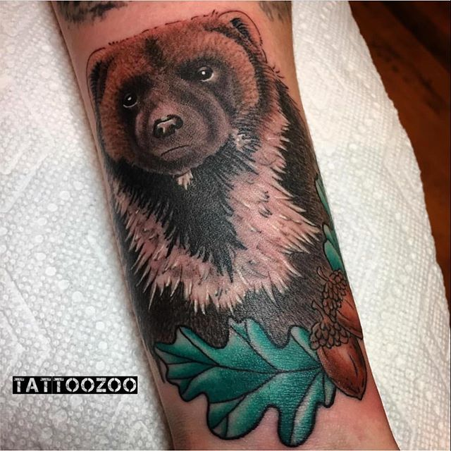 I can't BEAR it!! How bleeping cute is this??!!! (tattoo by @tamitattoos) we are here til 5pm. Call 250-361-1952 to book.