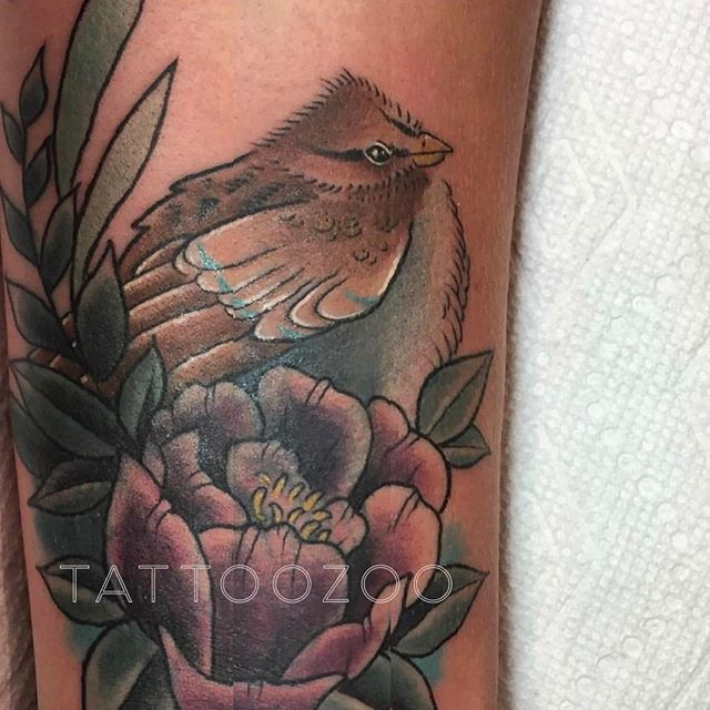A little birdy wants you to know that we are OPEN! Here til 6pm. Visit us at 826 Fort Street. (tattoo by @tamitattoos)
