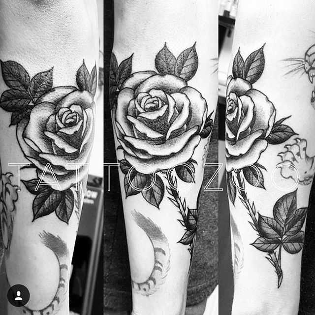 We are OPEN!! No time for walk-ins today but @interstellarwhispers has some time on Sunday/Monday so pop by the shop (826 Fort Street) and book an appointment! We are here til 6pm!!