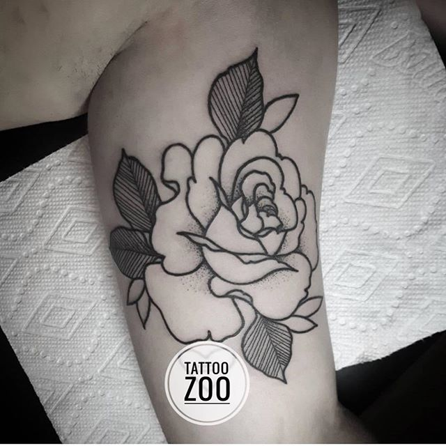 Heyyyyyyy!! @marymadsentattoos has a bit of time free this afternoons if you want to pop in for a wee walk-in! Visit us at 826 Fort Street.