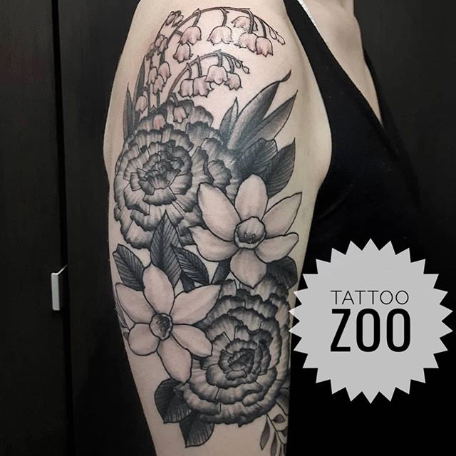 A beautiful bouquet by @marymadsentattoos Call 250-361-1952 to book. #weLOVEtattooingyou