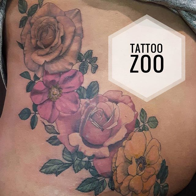 Beautiful flowers by @marymadsentattoos Call 250-361-1952 to book time.