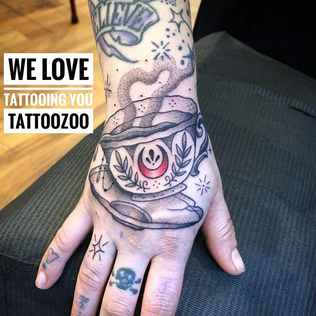 We are spilling the tea!! We LOVE tattooing you but you knew that already didn't ya? 🥰 (tattoo by @interstellarwhispers) Call 250-361-1952 to book time.