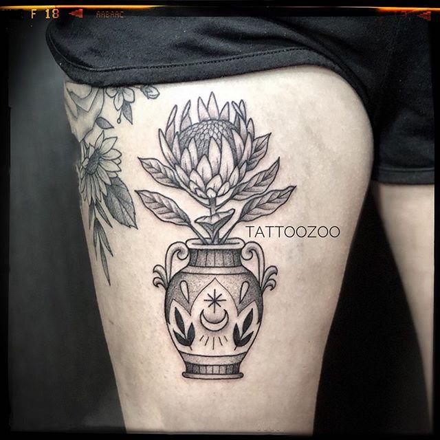 @interstellarwhispers loves tattooing botanicals!! Call 250-361-1952 to book.