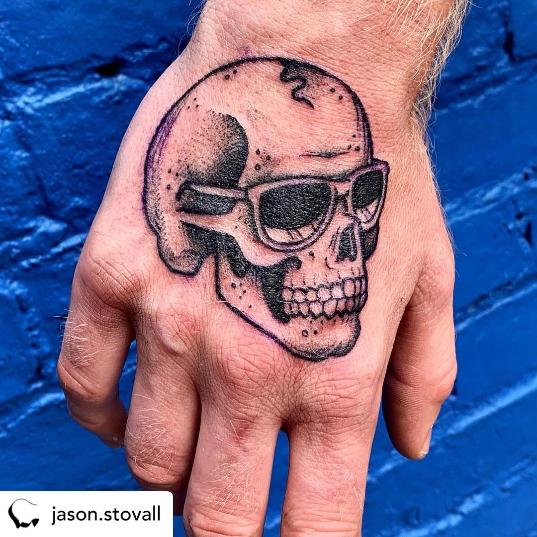 • @jason.stovall Lil job-stopper for Geordie. Thanks so much!! 😎 ️ ....#handtattoo #handtattoos #jobstopper #jobstoppers #skulltattoo #skulltattoos #😎 # #tattoozoo #jasonstovall